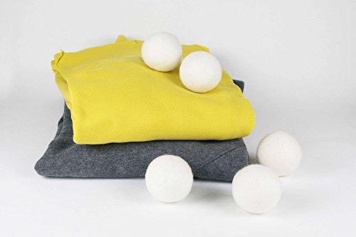 Trocknerbälle von 8-Natur im 6er Pack - Die natürliche Alternative zu Chemie aus 100% reiner Merinowolle. Weiche Handtücher und kuschelige T-Shirts kommen schneller aus dem Wäschetrockner. Trocknerkugeln sind kostensparend, trocken schneller für jede Wäsche, Kissen, Daunen und Kopfkissen -